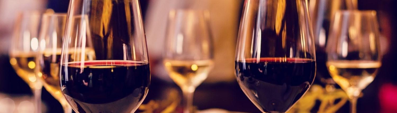 Griechische Weine und mehr. Rabatt 10%.